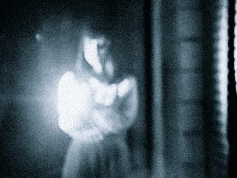 【幽霊騒動】JR中央線に飛び込んだ人が忽然と姿を消し、運転士は霊を見たのではと話題に—。