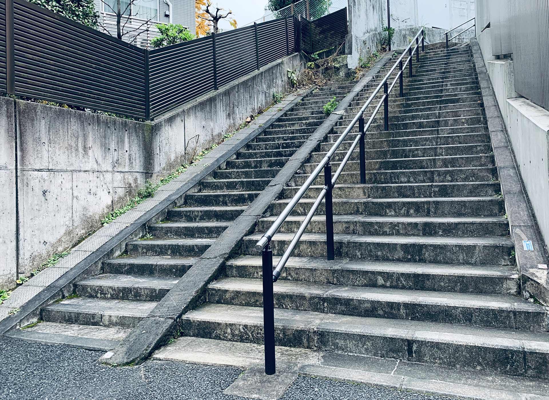 【シリーズ・心霊スポット】お化け階段
