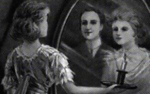 【シリーズ・都市伝説】鏡の中の「ブラッディ・マリー 」